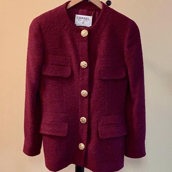 CHANEL Jackets & Blazers - Classic CHANEL Vintage Boucle Jacket/Blazer (4)